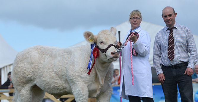 John & Sandra Middleton with Res. Female Champion at Balmoral Hollywell Harmony