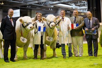 John Morton and Michelle Harman with the Male and Reserve Male Champions Gretnahouse Indian and Marne Impeccable