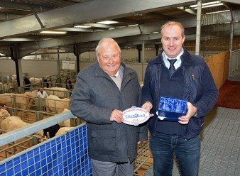 BCCS President Mervyn Parker congratulated Kevin Thomas on winning the Harman Award for the largest increase in the average self replacing index for his Moelfre Charolais herd in the Welsh Region