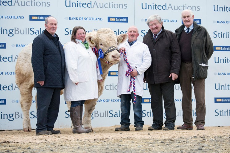 Top price Balthayock Justice with Breeder Major Walter and team and the proud new owners Gilbert Crawford and Joe Wilson