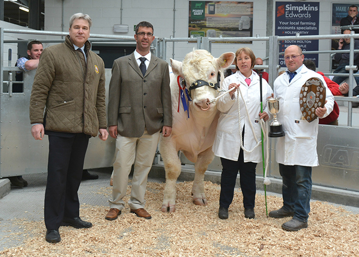 Champion Presentation with Society CEO Peter Phythian, Judge John Wylde and Bernadette and David Stacey