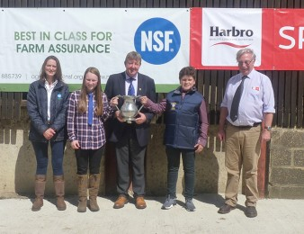 Fairway Trophy Winners with Master Judge Andrew Hornall, Joanna Bailey from sponsors NSF and Christopher Barclay from sponsors Harbro