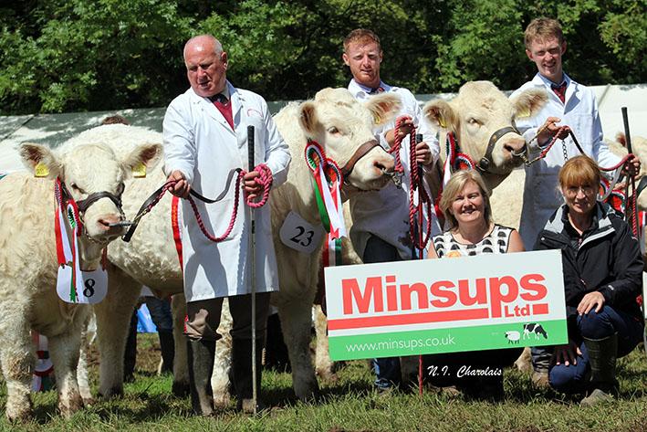 Minsups Female Champions from left: Harold Stubbs, Richie Devine, Jack Smith, Apryl Biddle (MD Minsups) and Carol Mooney